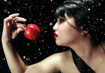 Snow White by Golden-Rey