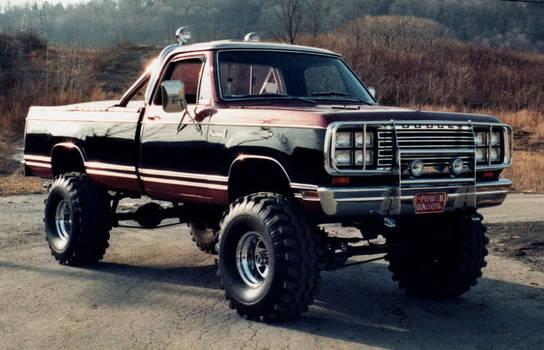 1980's DODGE POWER WAGON