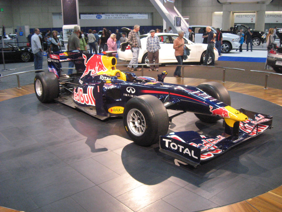 Red Bull Formula 1 Race Car by granturismomh
