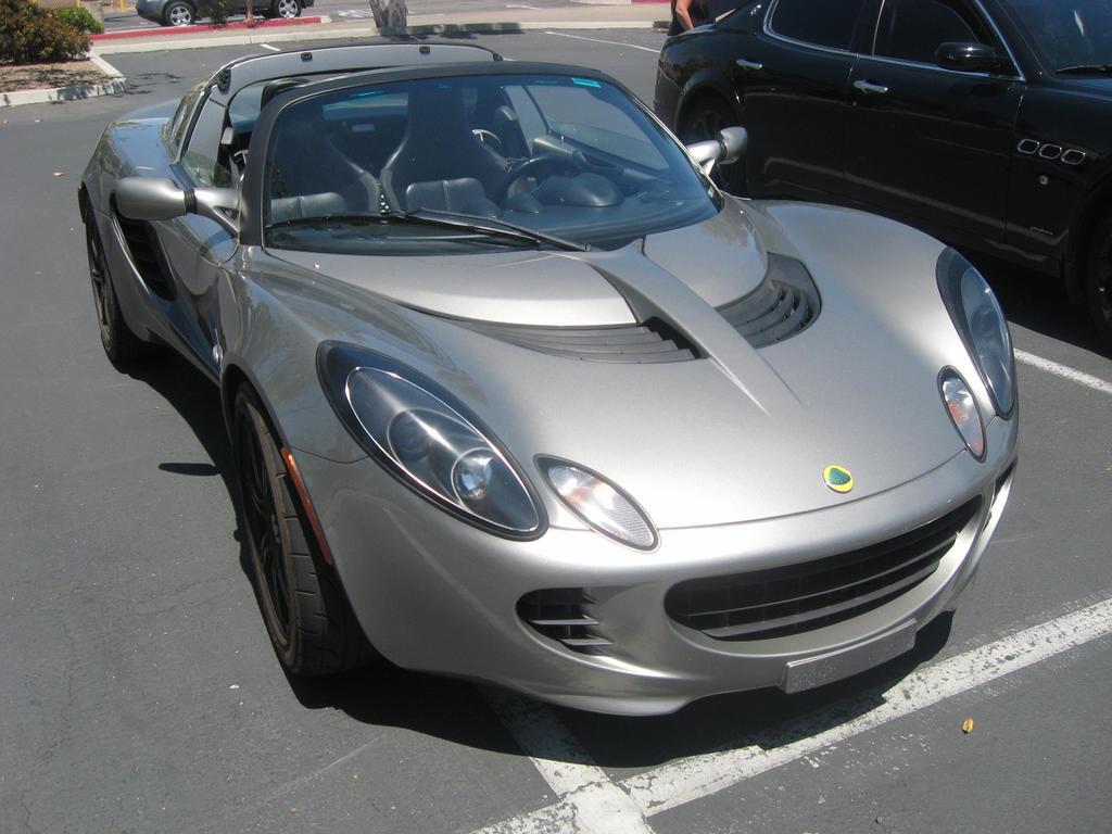 Lotus Elise Silver