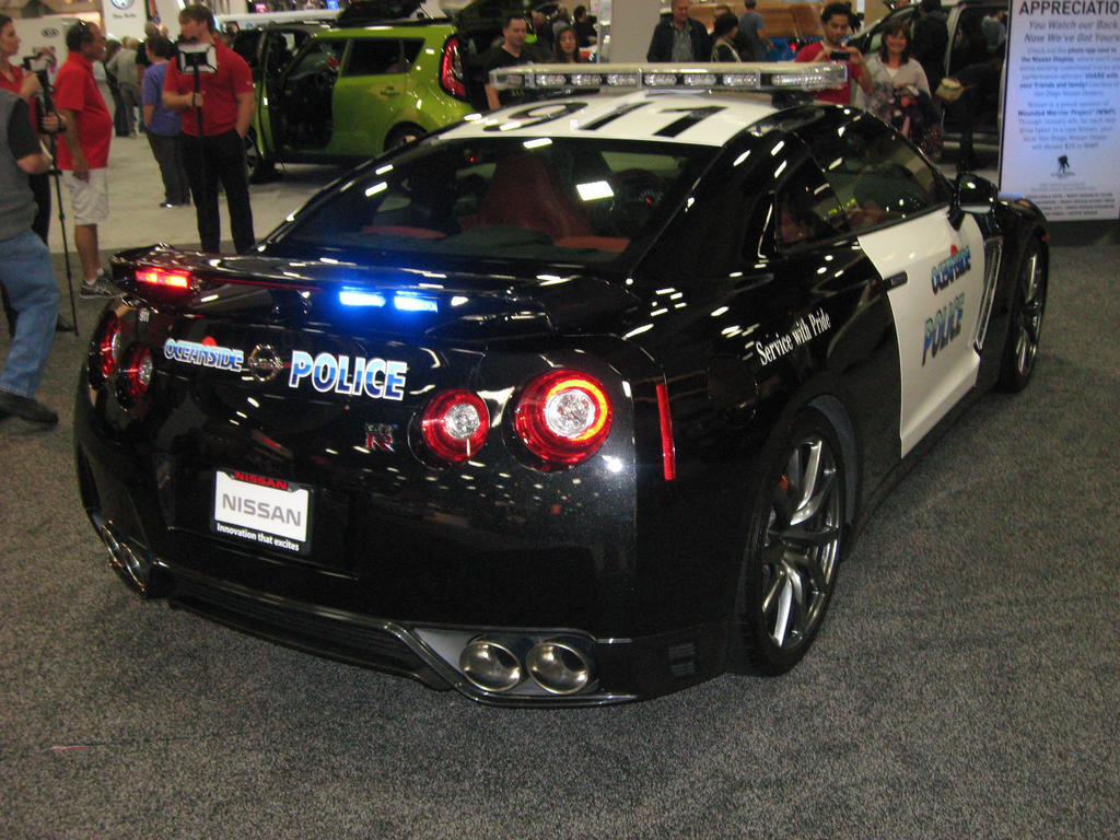 nissan gt r police car rear by granturismomh on deviantart. Black Bedroom Furniture Sets. Home Design Ideas
