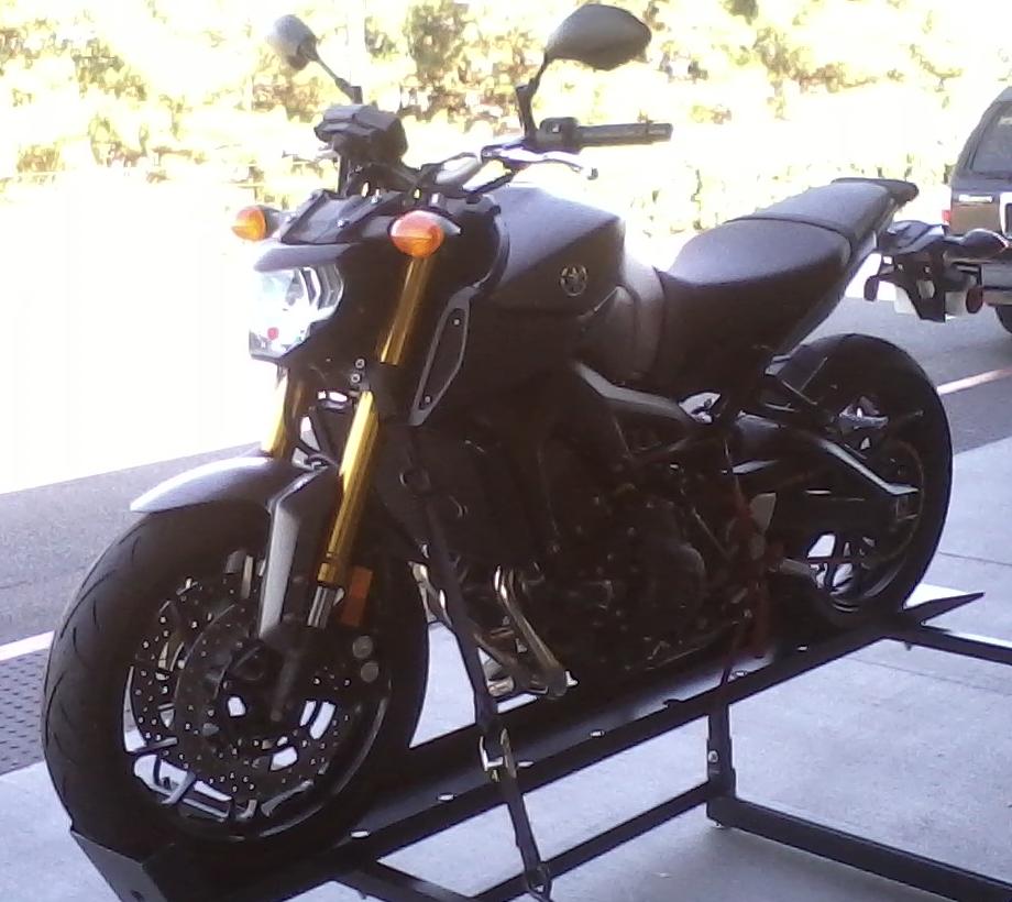 Yamaha FZ 09 by granturismomh