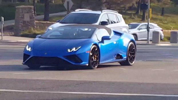 Lamborghini Huracan V10 Spyder