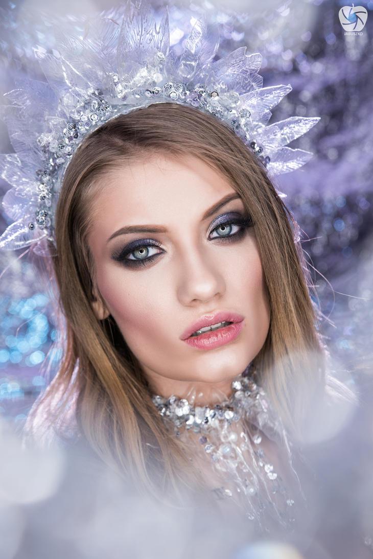Ice queen by Makargina