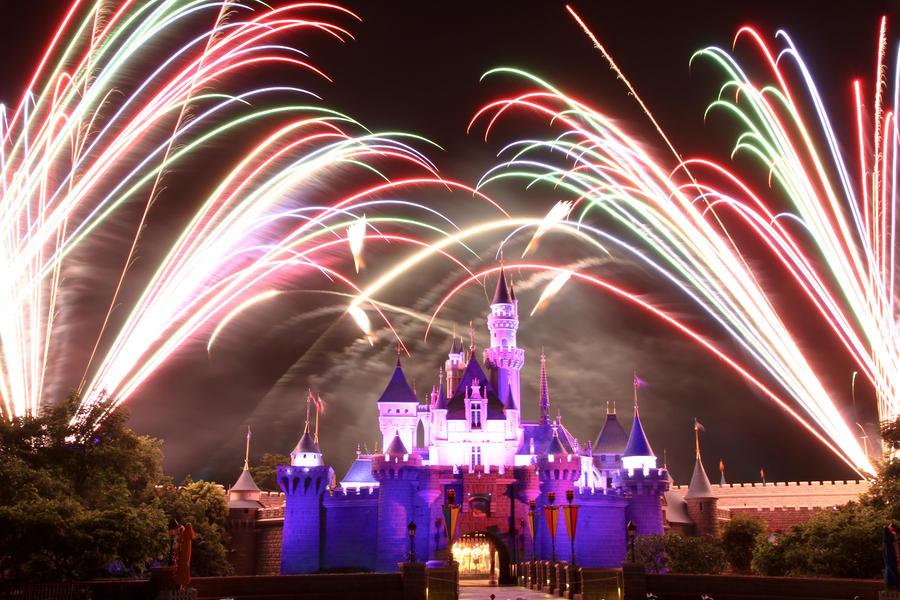 Disney Fireworks Take 1 by otaru23