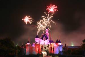 Disney Fireworks Take 2 by otaru23