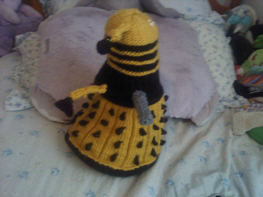 Free Baby Blanket Knitting Patterns Chunky Yarn : Knitted Dalek from Doctor Who by thenextdoctor42 on deviantART
