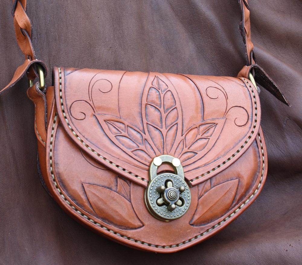 Valorous Nightsong Handbag by Shendorion