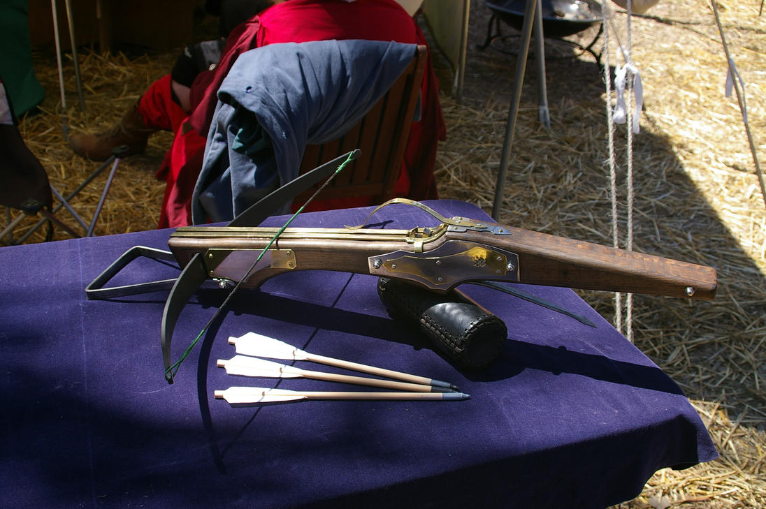 oak crossbow by DorianNavarre