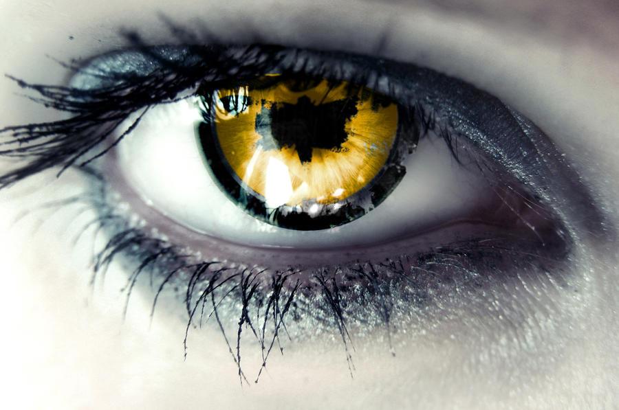 PotF-eye by LanaChestnut