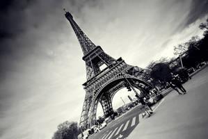 la tour eiffel II by PaLiAnCHo