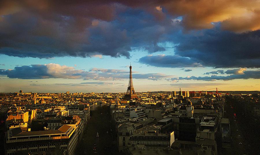 la tour eiffel III by PaLiAnCHo