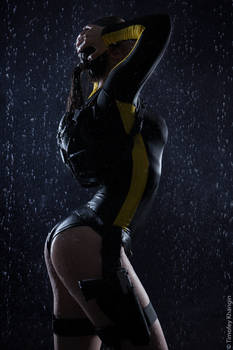 Lara Croft-Tomb Raider:Underworld