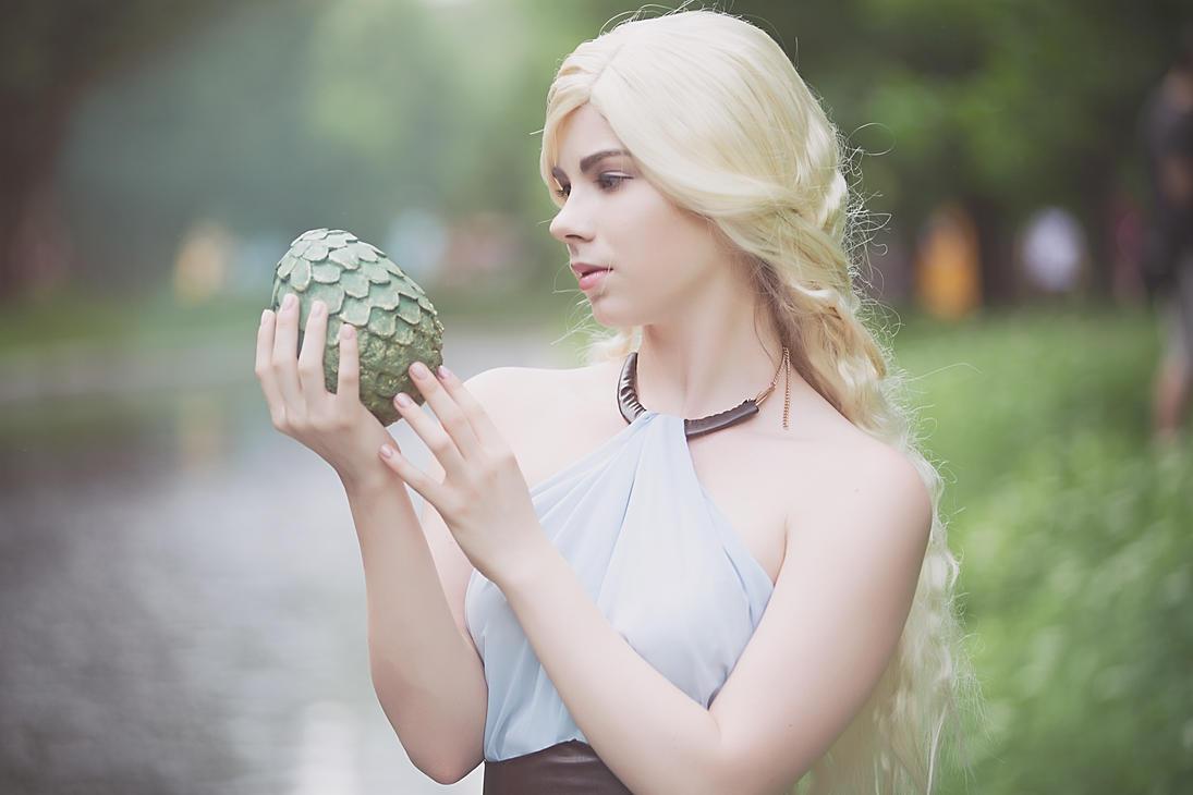 Daenerys Targaryen - Stormborn by Anastasya01
