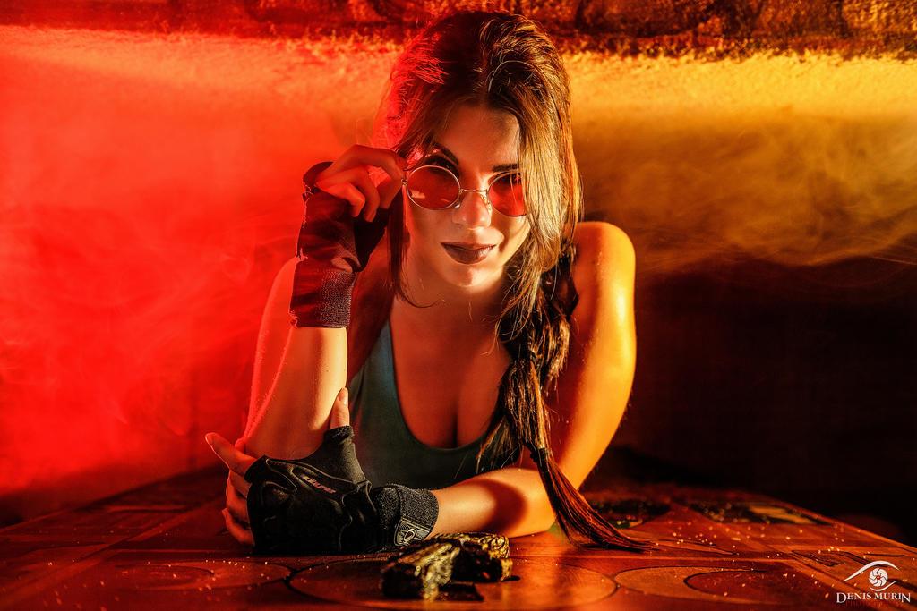 Tomb Raider: Lara Croft cosplay by Anastasya Zelenova