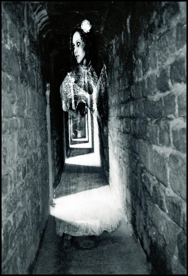Spooky corridor by csabr on DeviantArt