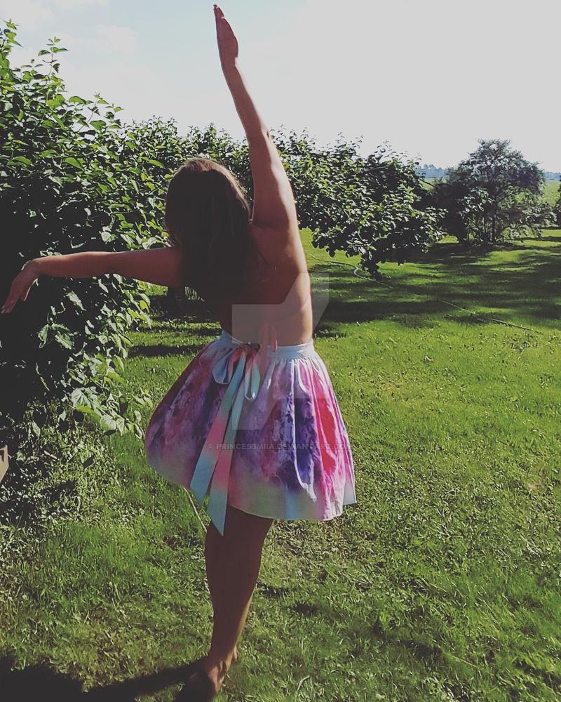 Balerina by PrincessMiia