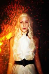 Daenerys Targaryen by AlenLav