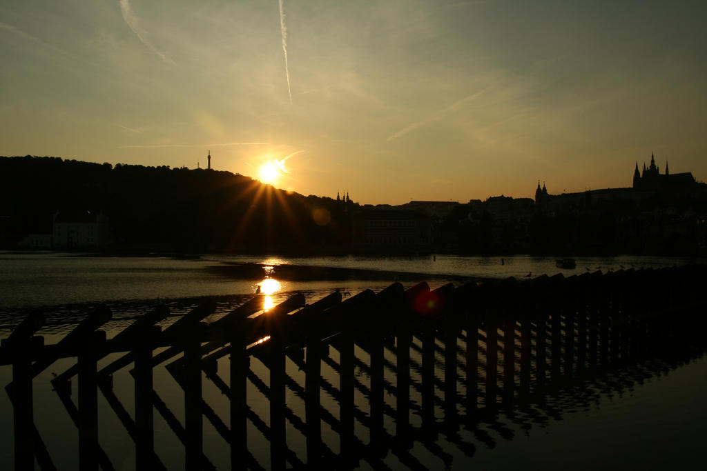 Sunset in Prague by getupp