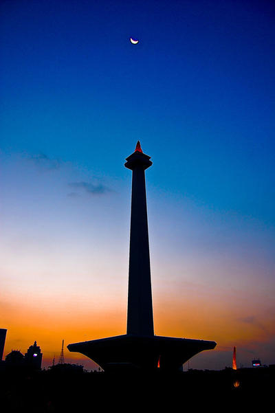 .:monumen nasional:. by indonesia