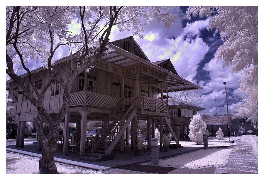 Rumah Panggung by indonesia