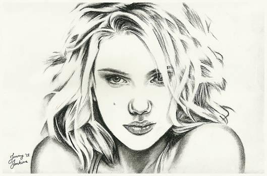 Scarlett Johansson - Minimal