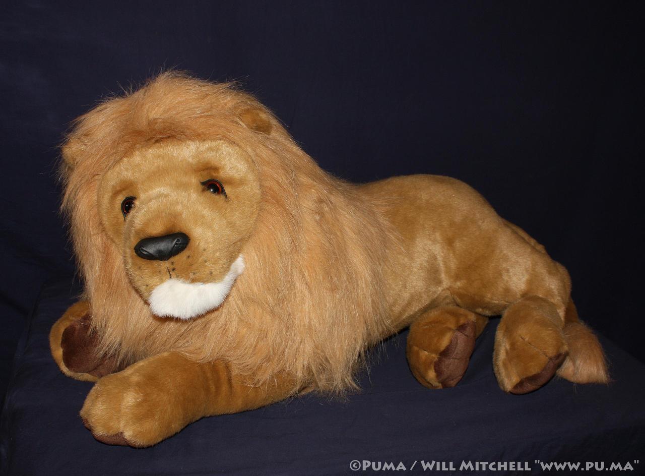 Douglas Cuddle Toys - Lord Titan Lion Plush