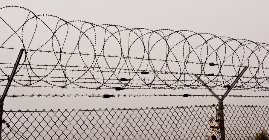 Barbed wire fence by archaeopteryx-stocks on DeviantArt