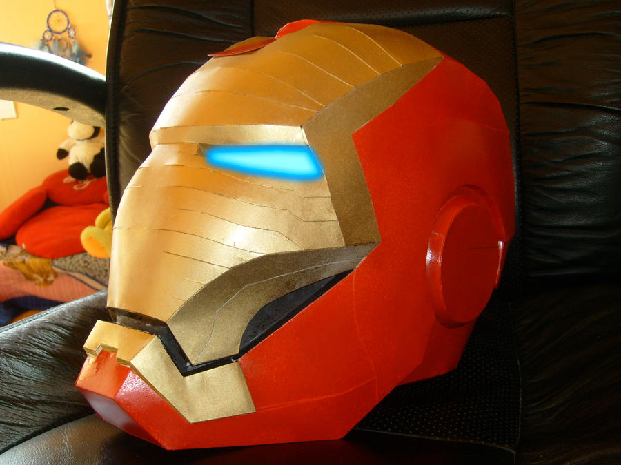 Iron Man Helmet Papercraft by keyamon