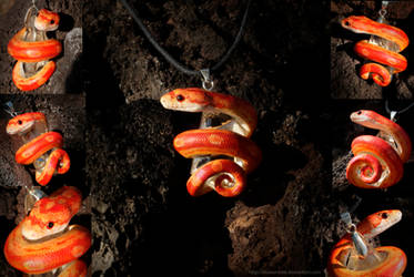 Strawberry Motley Corn Snake Necklace