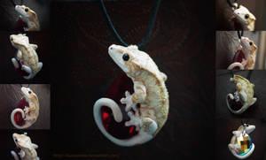 Piebald Crested Gecko Necklace