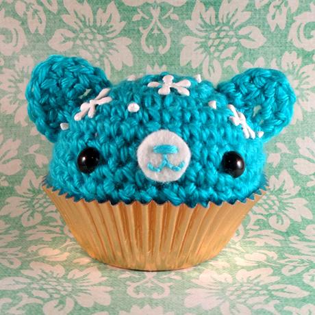 Blue cupcake bear with icing by amigurumikingdom