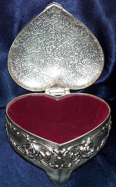 Open Heart Jewelry Box by RDStock on DeviantArt