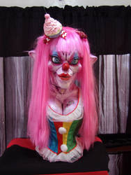 SLUTZO :the clown