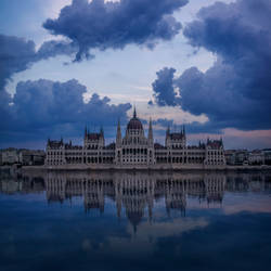 Budapest Parlement by Frankenstijn