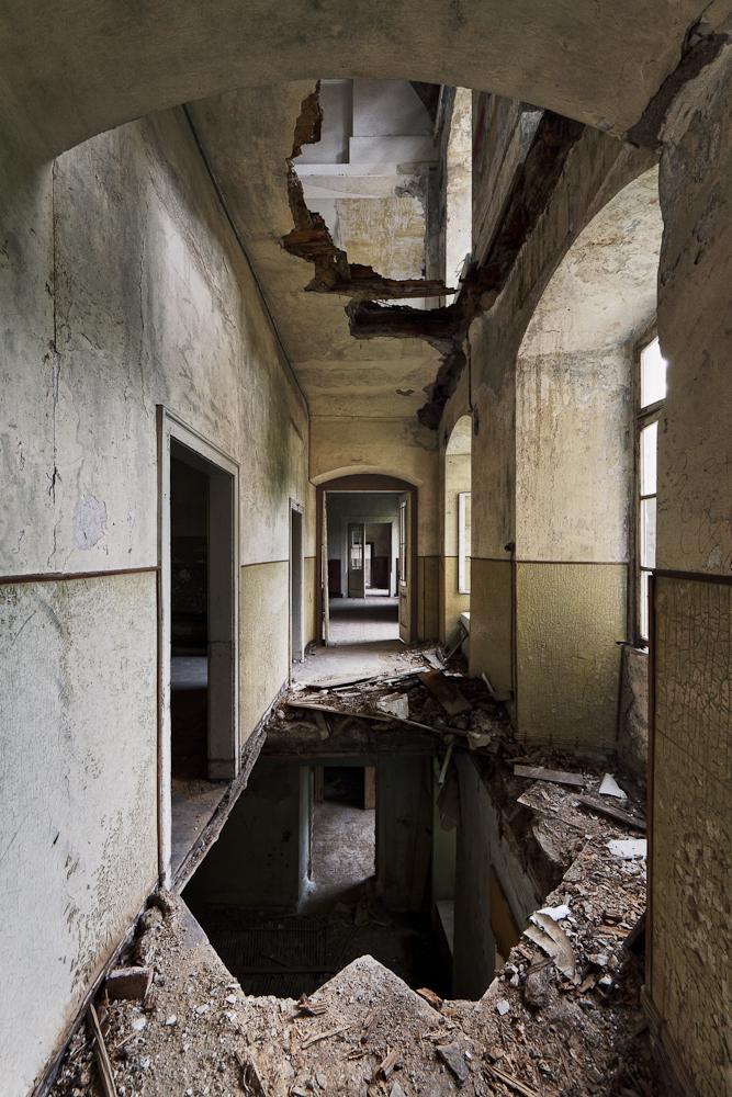 crippled floors by schnotte