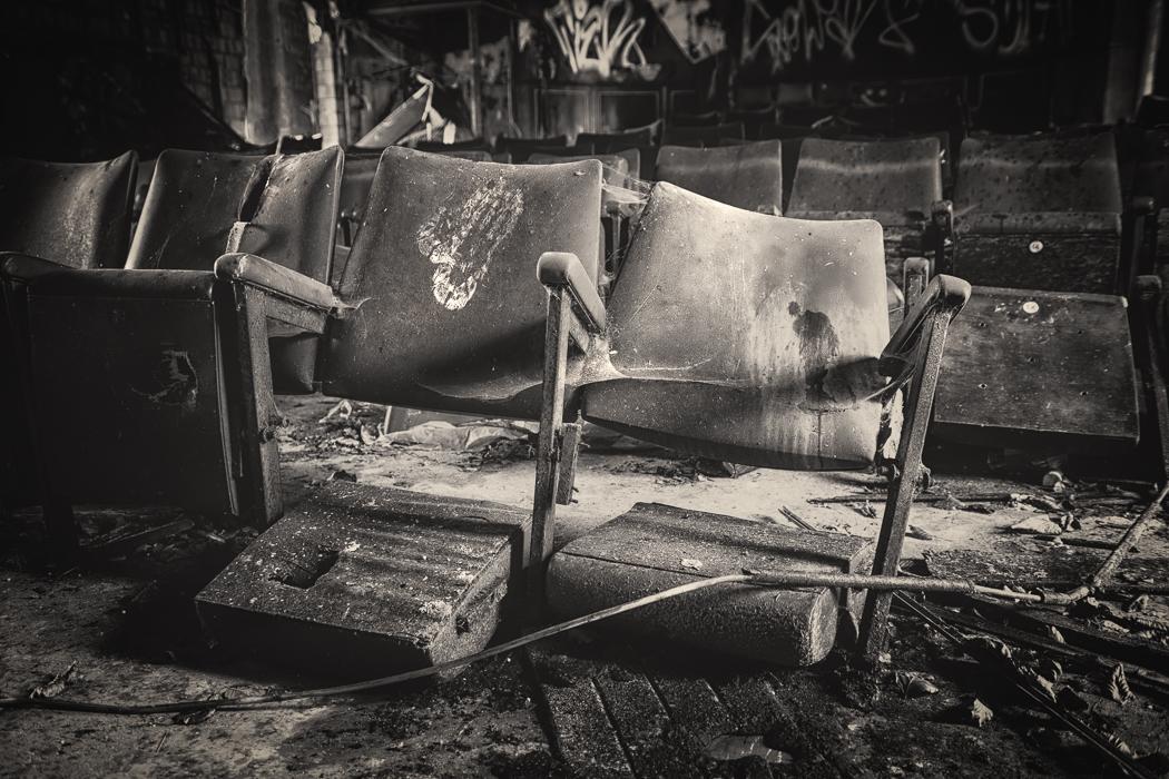 seat 15 by schnotte