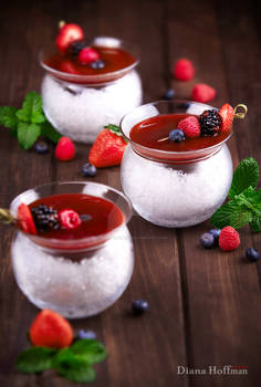 Berry cocktail on ice.