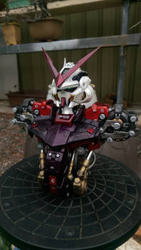 Gundam Astray red frame bust