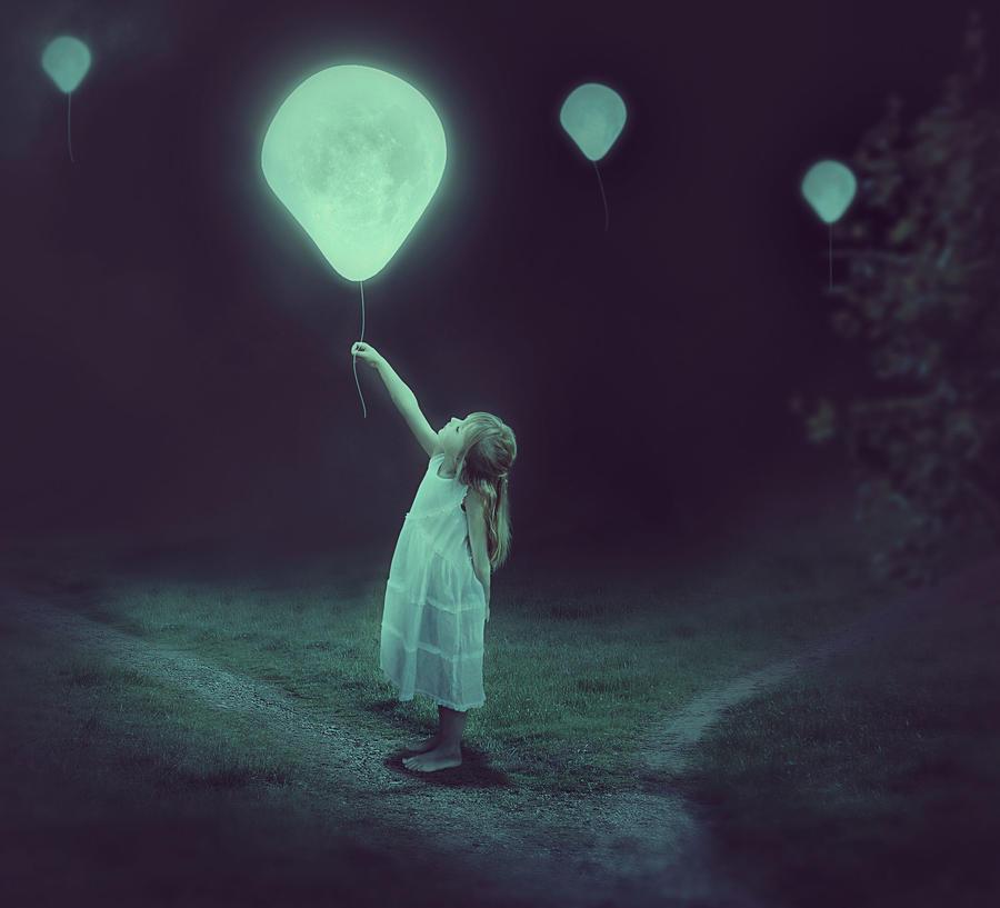 Balloon by Liyamoon