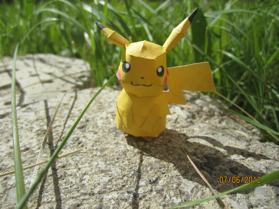 Mini Pikachu Papercraft by Odolwa5432