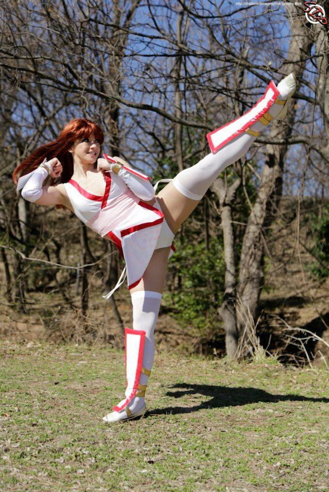 Kasumi High Roundhouse Kick by HollyGloha