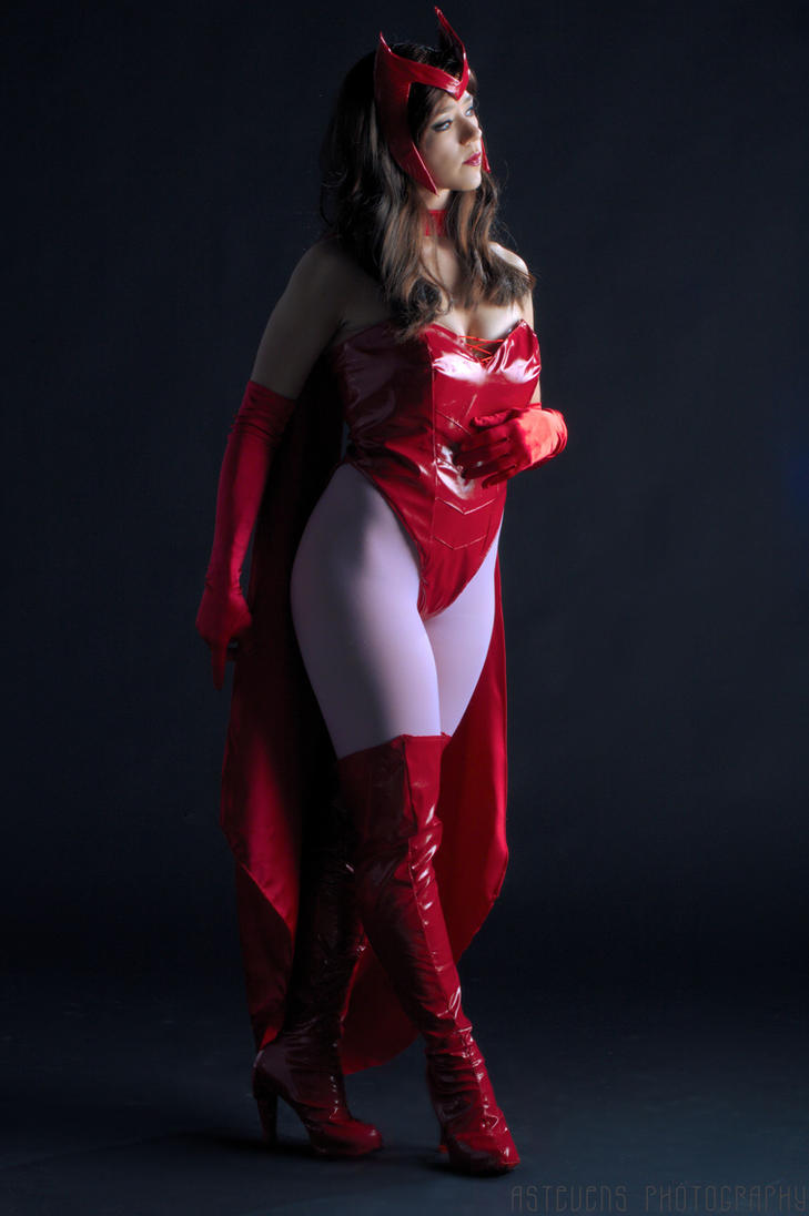 Ultimate Scarlet Witch Costume