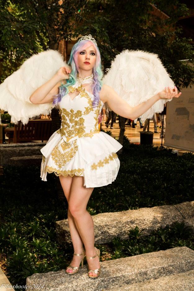 Princess Celestia by HollyGloha