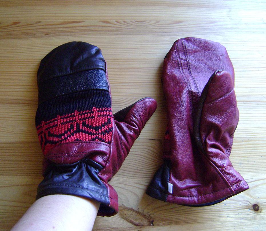 Mitaines en cuir recycles rouge et noir by Emillye