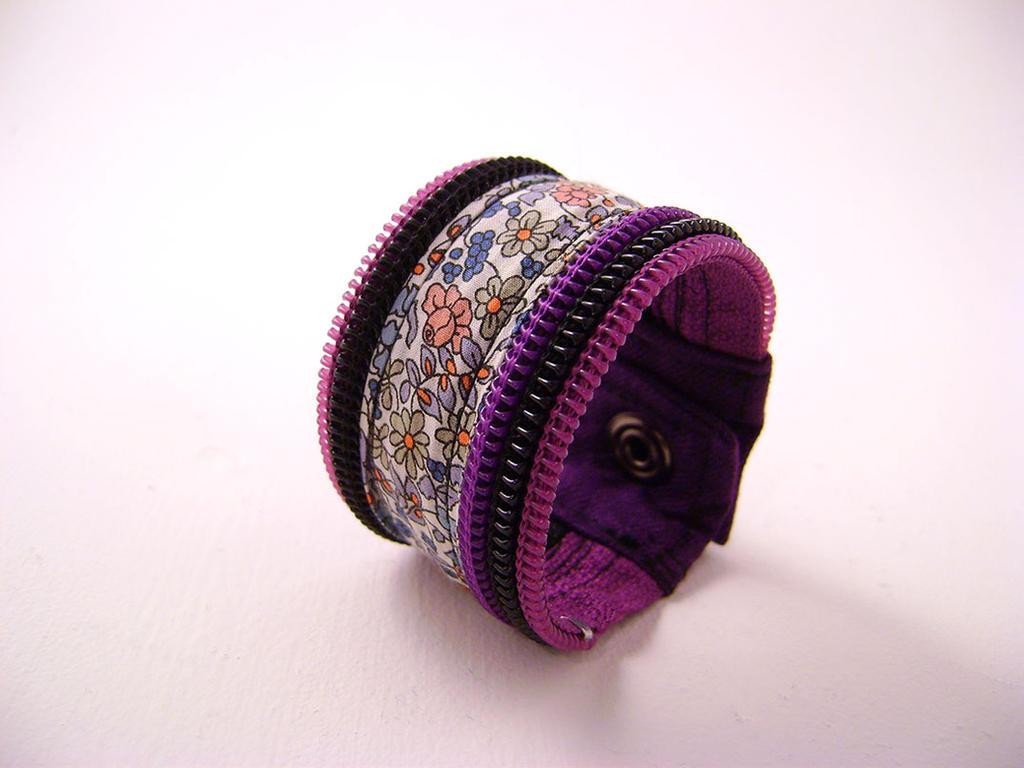 Bracelet zipper fleurie mauve by Emillye