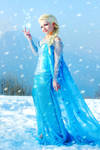 Storm inside - Elsa cosplay Frozen