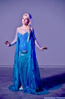 Elsa Queen  - Frozen by FrancescaMisa