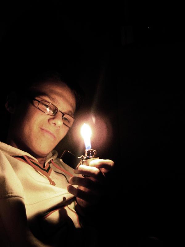 http://fc08.deviantart.net/fs41/i/2009/054/c/c/Light_Up_My_Life_by_Sidyk.jpg