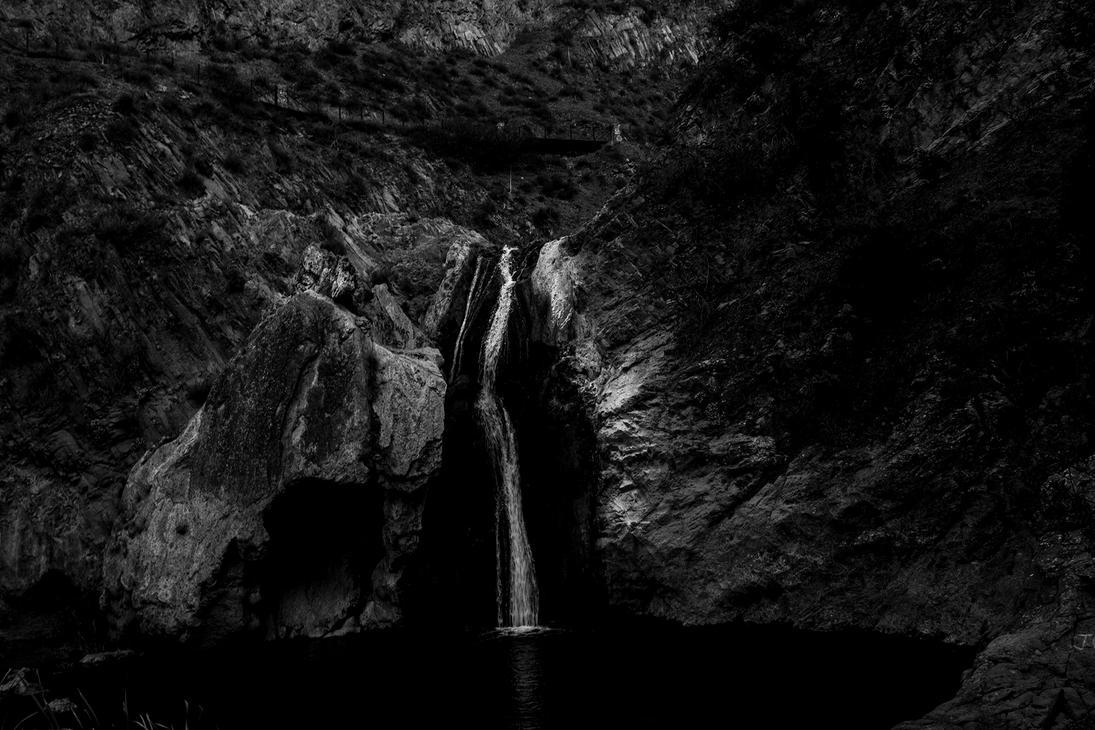 waterfall by rishi-11-2002